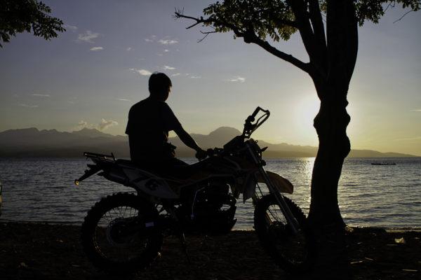 Suasana Sore di Pantai So Numbe. (Foto Raka/bimakini.com)