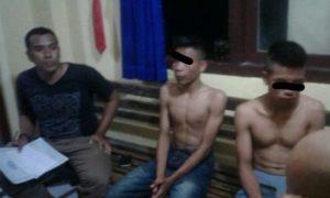 Inilah dua orang yang ditangkap warga yang diduga penjambret, di Karijawa Dompu.