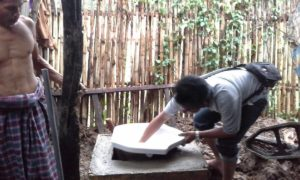 DOKFARID: Pembangunan JSP di rumah warga Tangga Kecamatan Monta, Sabtu lalu.