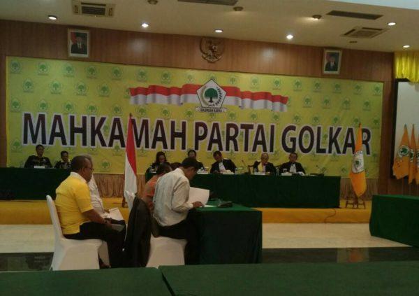 Sidang Kisruh Musda DPD Partai Golkar Kota Bima di Mahkamah Partai.
